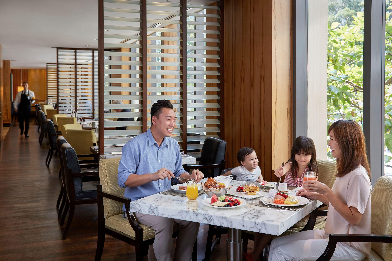 Mandarin Oriental Hong Kong Cafe Cousette